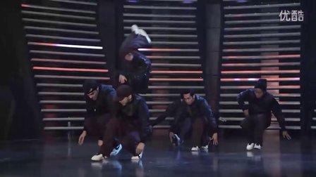 Jabbawockeez兄弟团Super Cr3w,《甜心辣舞2》大腿也抱抱!