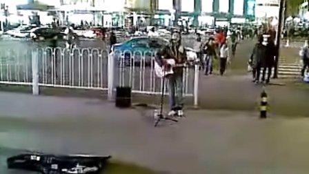 20111111光棍节天津小宇街头弹唱