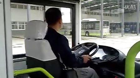 扬子江客车试驾电动客车