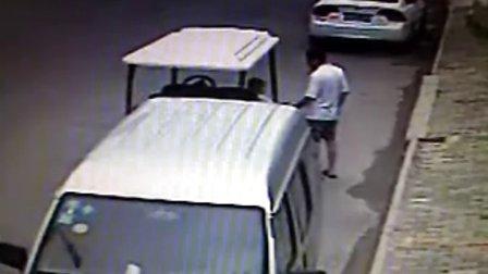 邳州祖孙2人一起行窃。视频拍下全过程www.pzfang.com