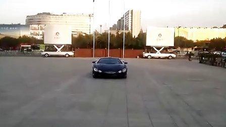 网友实拍 手工稀有跑车-光冈大蛇漂移