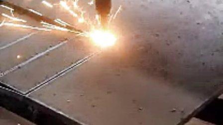 小蜜蜂数控火焰等离子切割机自动点火切割价格视频
