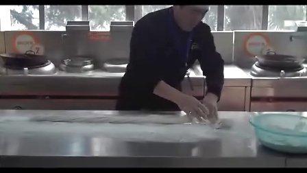 陕西新东方烹饪学校中式面点大师马小峰拉面功夫展示,西安中式面点学校