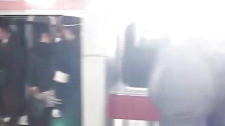 看看日本地铁,我欣慰了!
