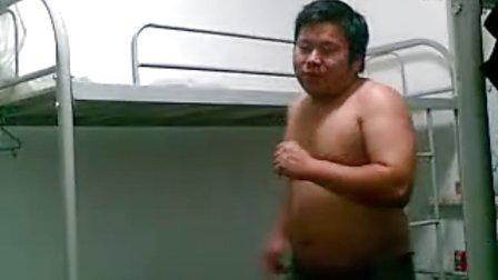 裸体胖子猥琐男高歌