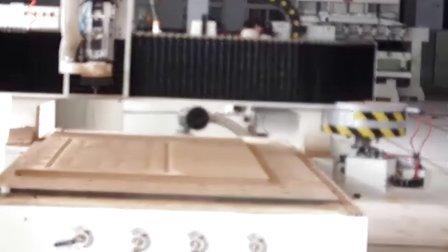 自动换刀雕刻机视频 木门雕刻机视频