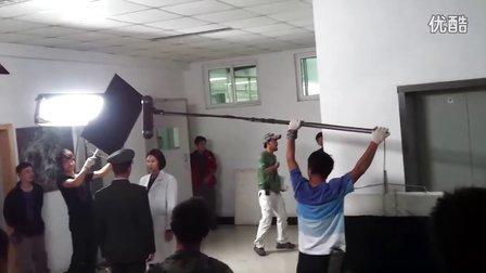 吴京惊现四教拍摄《特种兵》