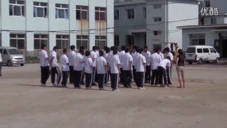 丹东曙光职专2011年8月24日2011级新生军训