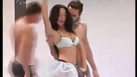 法国时尚内衣秀fashion underwear 揭阳网www.jy5.com