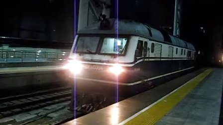 DF11 0056在徐州站挂T132