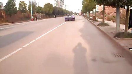 兰博基尼1999款鬼怪,复刻版。应朋友要求发个轮子打滑的视频,郁闷哪