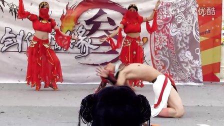 """剑侠情缘cosplay 红衣  牡丹""""姐"""",看那胸环和小蛮腰...--第四届云南昆明动漫节"""