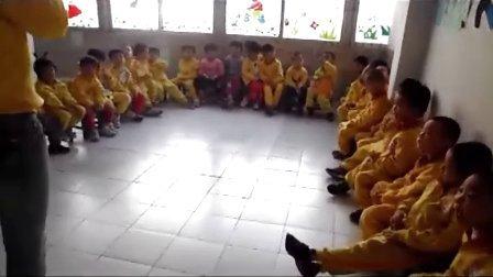 肇庆小天鹅幼儿园,英语兴趣班认识交通工具