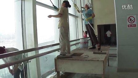 新疆亚欧博览中心开荒保洁视频-乌鲁木齐金色胡杨保洁公司