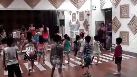 嘉佳小明星艺术团之听妈妈的话舞蹈视频