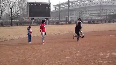天才无敌张笑若-儿童棒球少年 传球 上垒 与初二队员配合-baseball
