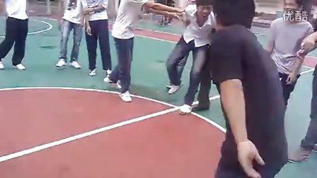 肇庆理工学校某班上体育课娱乐