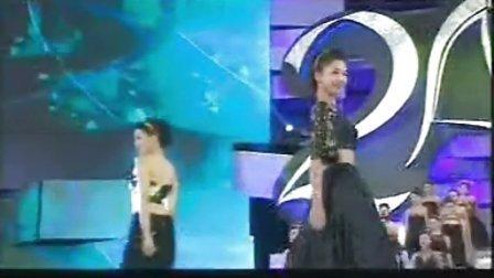 2013亚洲小姐佳丽礼服展