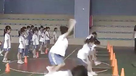 小青蛙打害虫小学一年级体育优质课视频