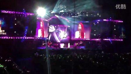 田馥甄(HEBE) - Love! 田馥甄(HEBE)2012广州演唱会(拍摄者:@wen尐)
