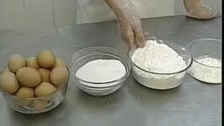 QQ281900585在家生日蛋糕制作视频_戚风蛋糕 摔模9