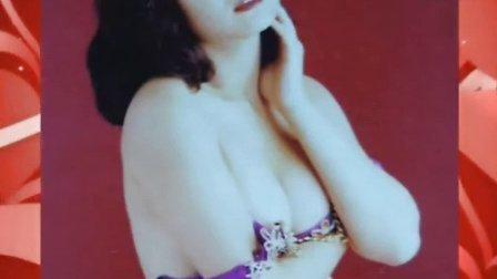 叶玉卿昔日照片曝光 沙滩上演全裸诱惑