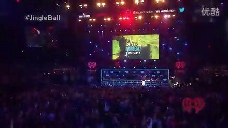 Macklemore- Can't Hold Us (Z100′s Jingle Ball 2013)现场版