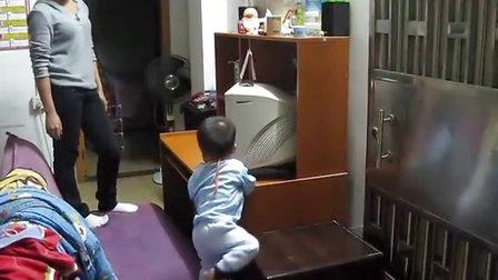 彬彬一岁4个月