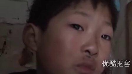 【拍客】实拍儿子泪流满面呼唤妈妈回家过年