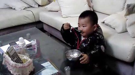 15个月的小孩吃饭