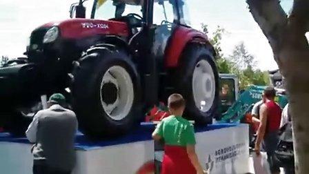 出口国外的东方红拖拉机