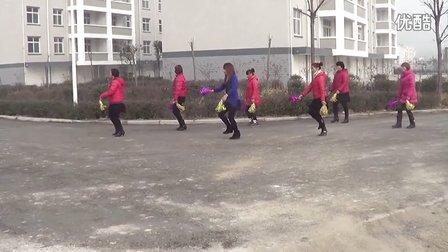 姑娘大声唱广场舞 冯琴广场舞队