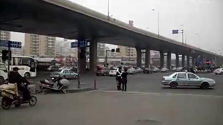 【拍客】济南途汽车总站街头