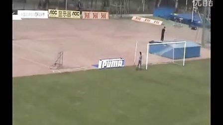 足球场立体广告位演示--球门两侧立体广告毯