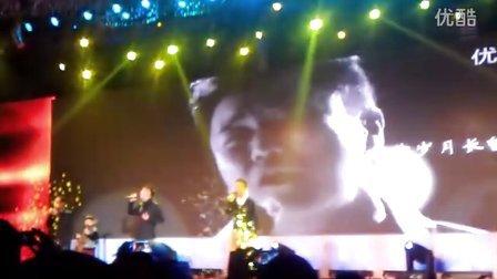 [拍客]筷子兄弟现场歌唱《父亲》
