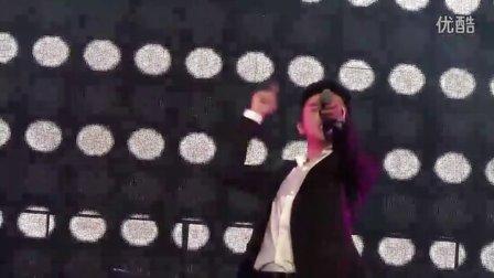 【2012-1-28】Las Vegas魔幻型男演唱会-苏有朋part1 (1)