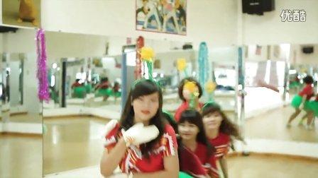 20131224[Crayon Pop] (Lonely Christmas) 越南美女舞团热舞翻跳
