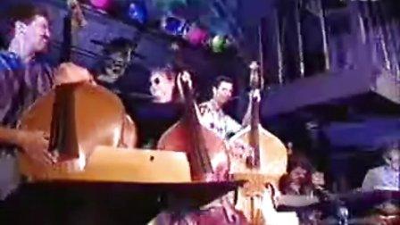 96年贝司节中的一段Blues,很不错!96 Bass Day