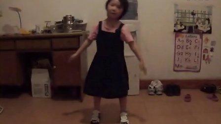 舞蹈。大公鸡喔喔叫