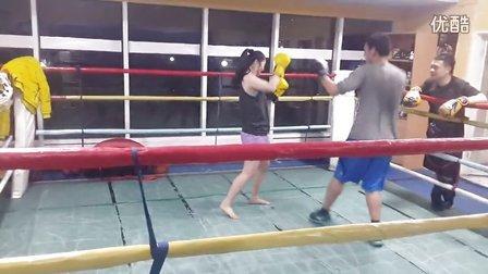 小张快打3:拳击少年VS泰拳美女(小张我不能进攻只能防守)