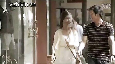 泰国奇葩洗发水广告:美女何弃疗