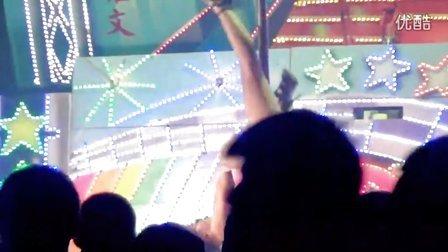 台湾屏东街边钢管舞