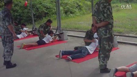 2012暑小记者玩射击