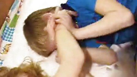 boy tickled - 优酷