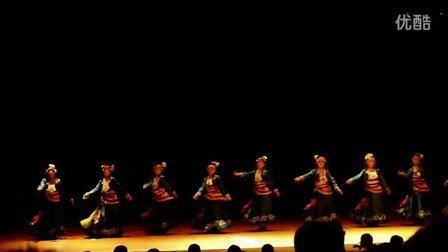 四川省阿坝藏族羌族自治州 藏族歌舞表演