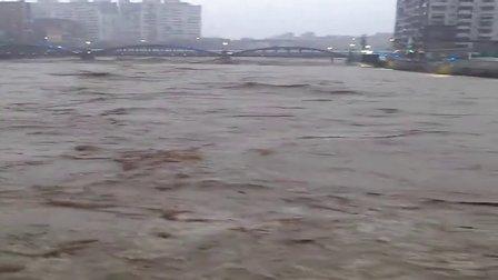 【8.2双台风】台风造成台湾河流汹涌