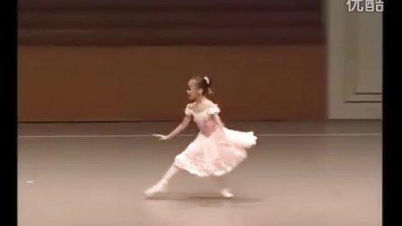 俄罗斯10岁小女孩立足尖跳芭蕾