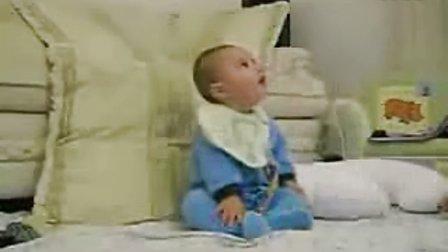 这小孩真搞笑,你来猜他笑什么,哈哈。http:www.dazhongfanli.com