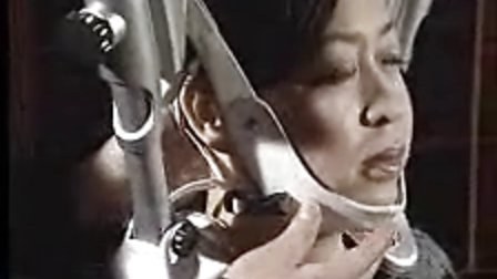 珑抬头颈椎牵引器操作方法