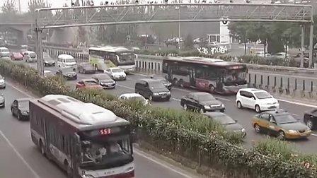 专用车道不专用 涉牌车辆频占道 20120523 首都经济报道